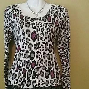 🍀Wet Seal jaguar print cardigan💋